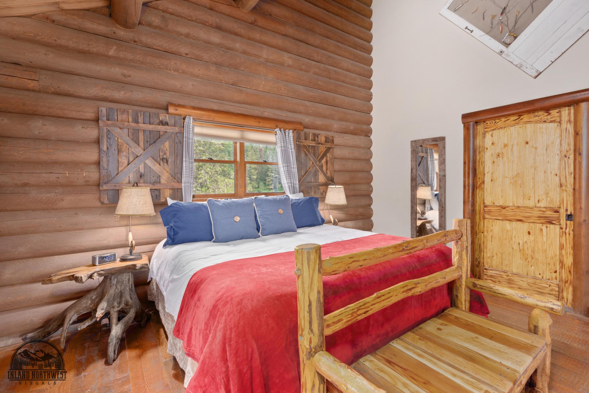 Cutthroat Cabin bedroom.