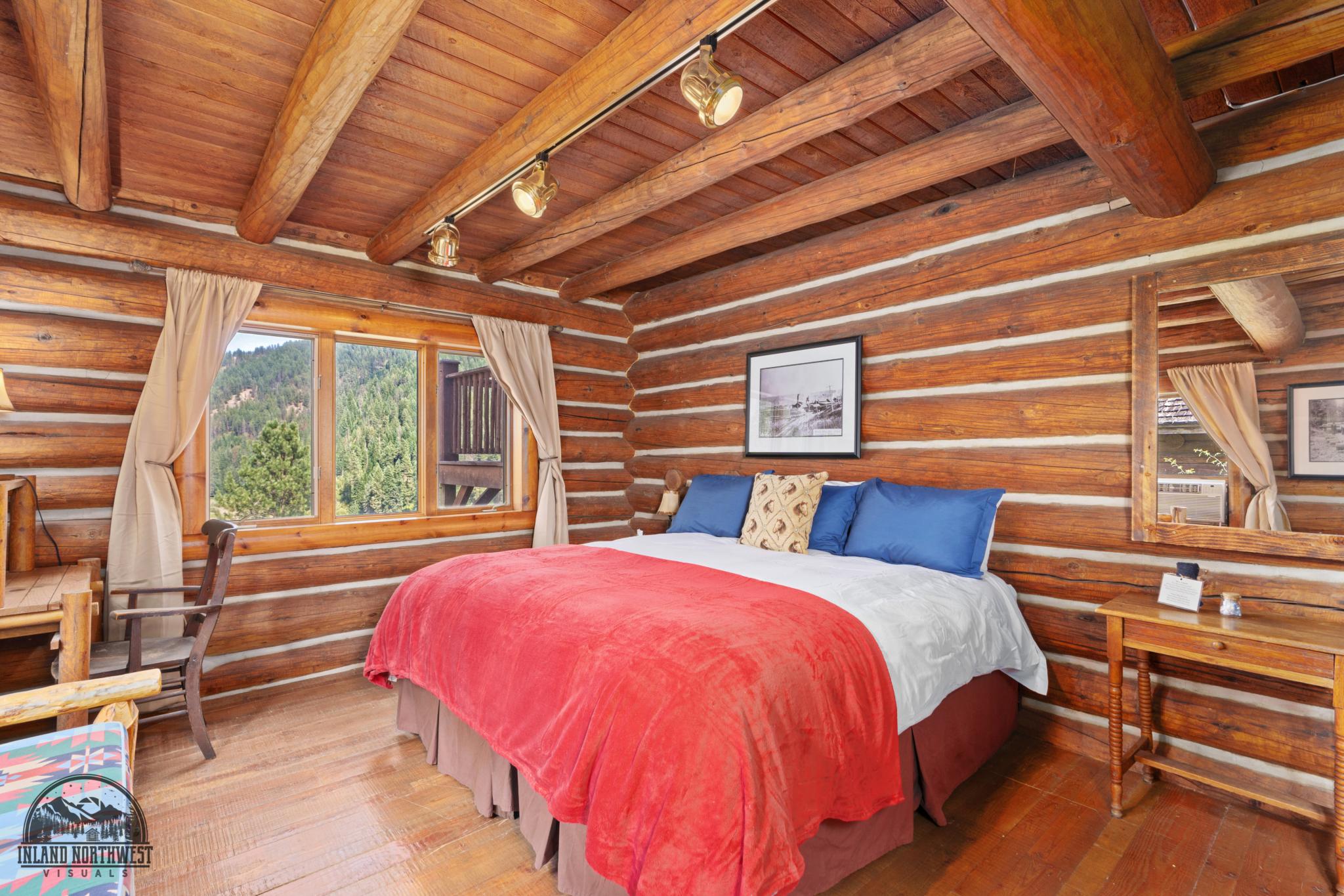 Hilltop Home bedroom